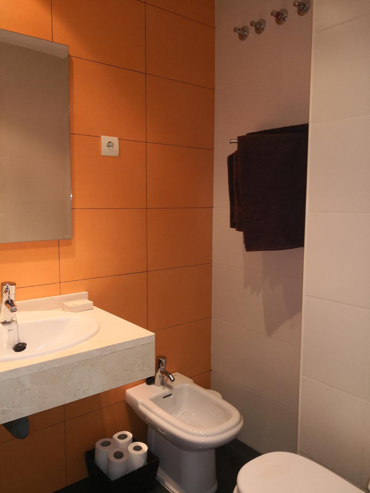 Middle Floor Apartment, Estepona, Costa del Sol. 2 Bedrooms, 2 Bathrooms, Built 100 m², Terrace 10 m,Spain