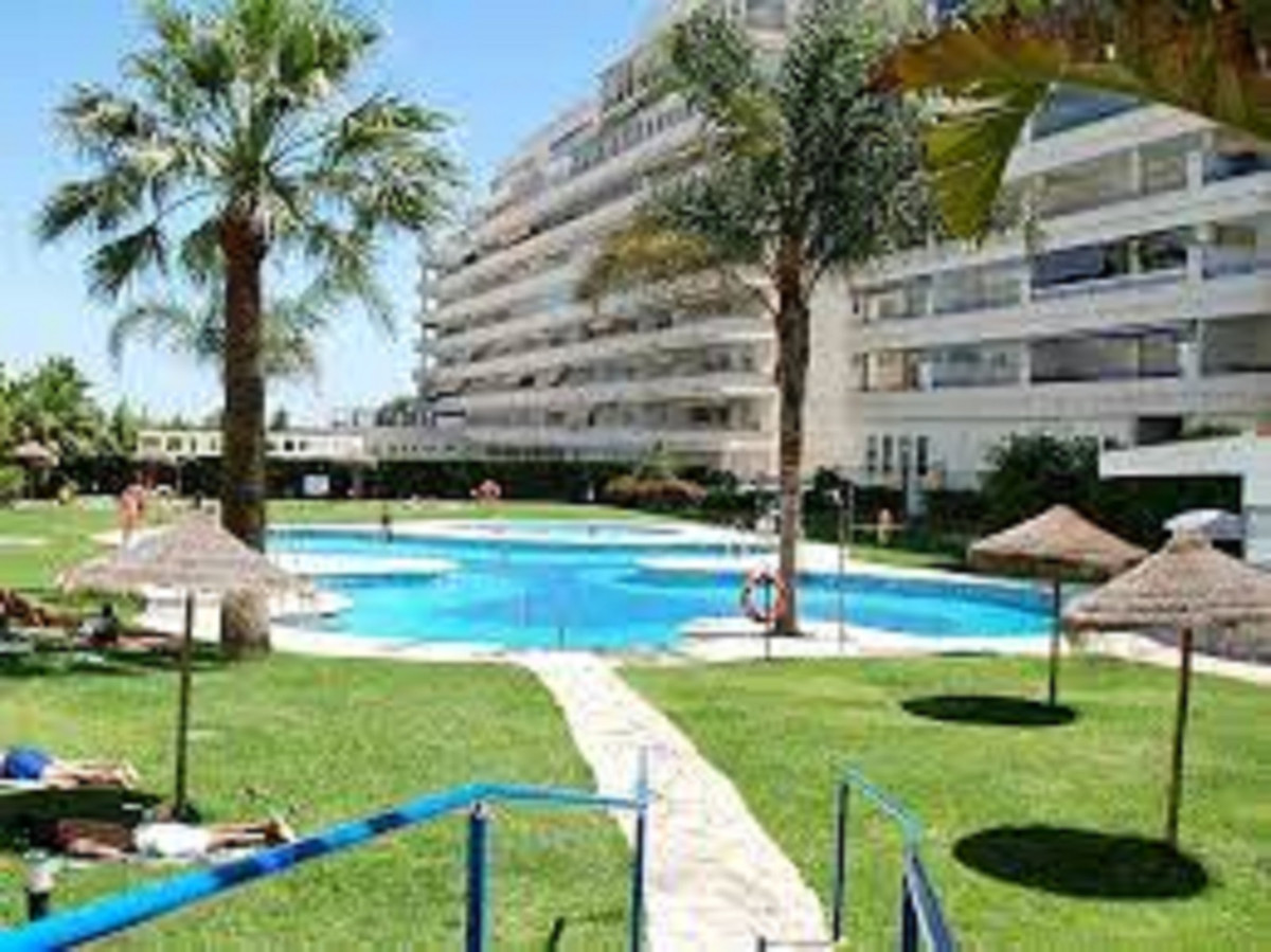 Fantastic open views to the Sea !! Lots of Light! Great property 100m from the cable beach, surround,Spain