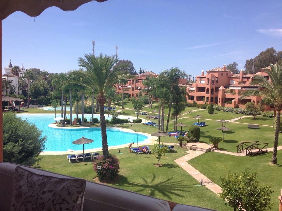 Takleilighet i Guadalmina Baja R3096688
