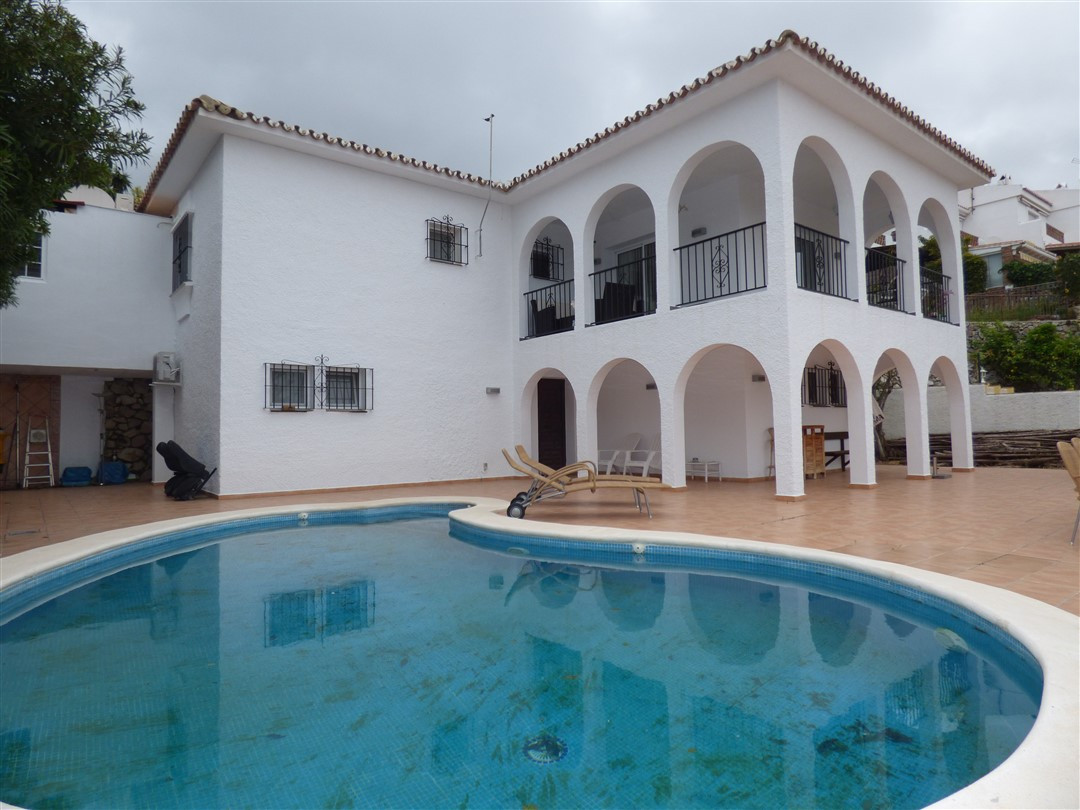 RESERVED 20TH OF.APRIL 2018  Villa with a view.  Fantastic 4 bedroom villa just 250 meters from the ,Spain
