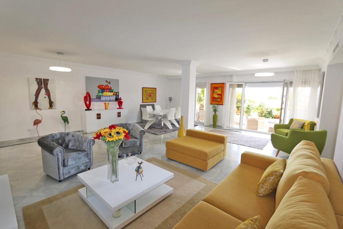 Appartement, Rez-de-chaussée  en vente    à The Golden Mile