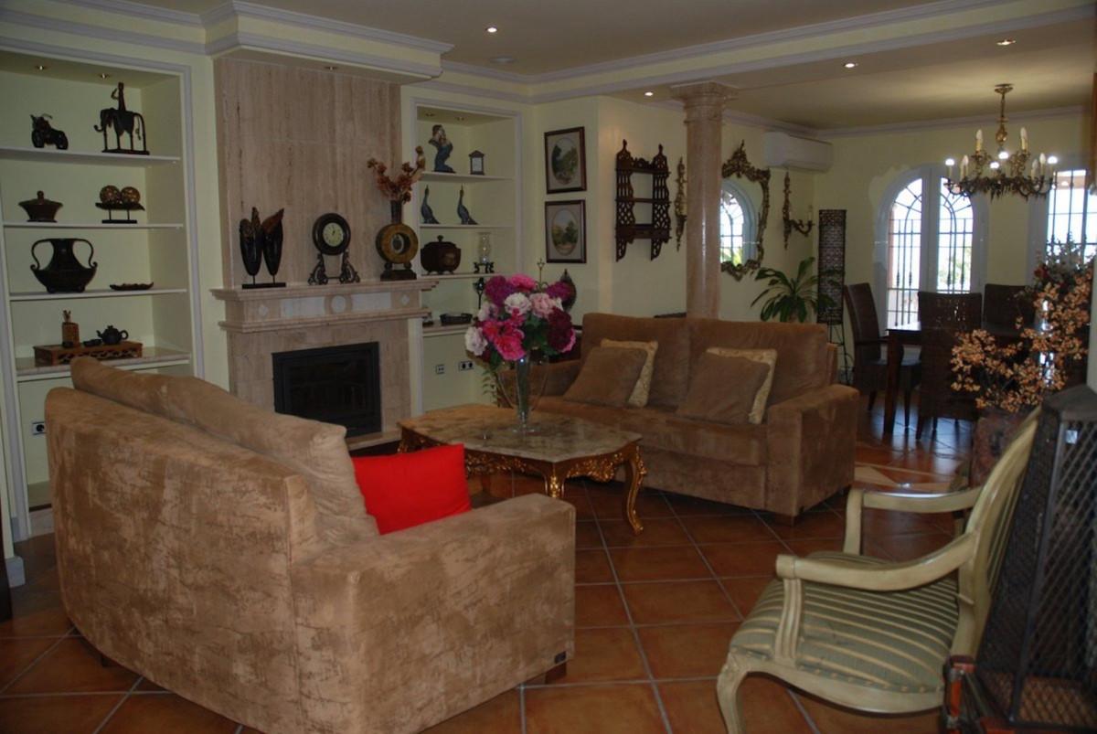 House in Alhaurín de la Torre R3701090 9