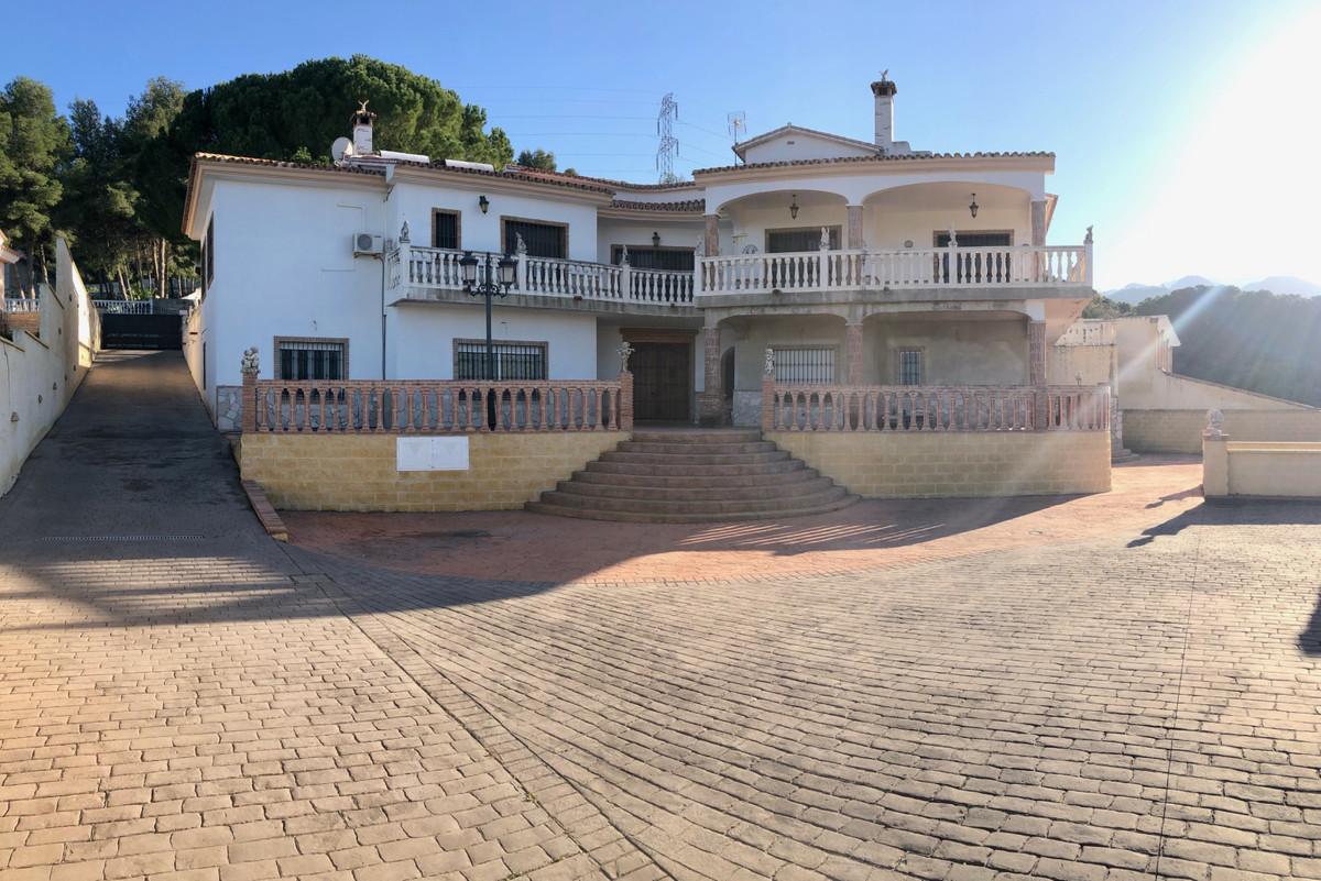 House in Alhaurín de la Torre R3800269 1