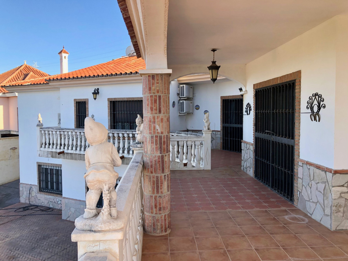 House in Alhaurín de la Torre R3800269 10