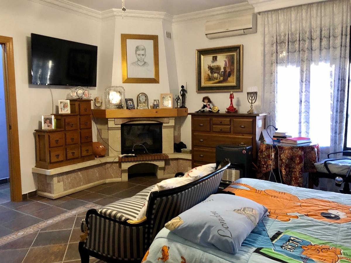 House in Alhaurín de la Torre R3800269 37