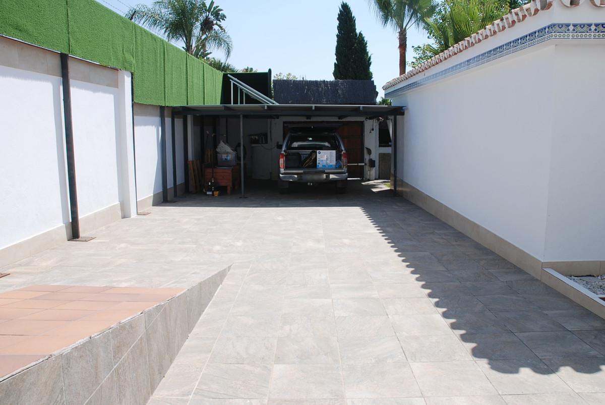 House in Guadalmina Alta R3672095 35