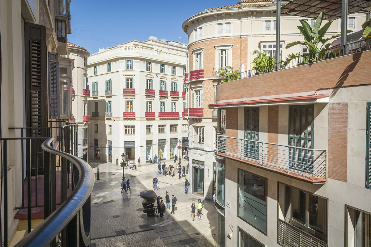 Very exclusive apartment next to the Cathedral and the Port in the Calle Strachan street Spectacular,Spain