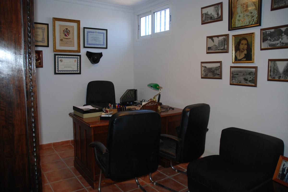 House in Alhaurín de la Torre R3456253 34