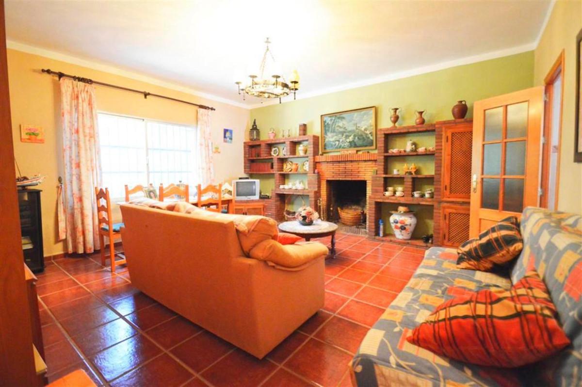 House in Alhaurín de la Torre R3379084 9