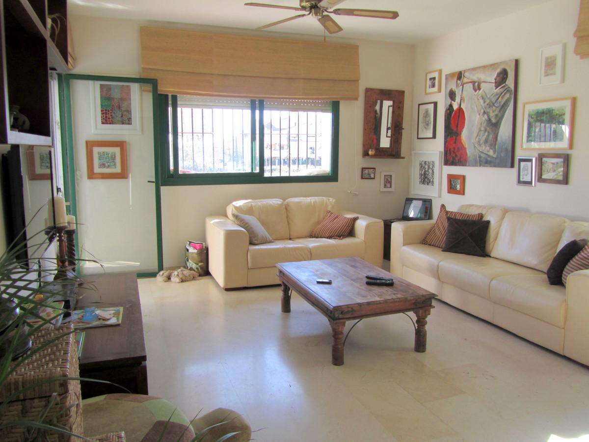 2 Bedroom Ground Floor Apartment For Sale San Pedro de Alcántara