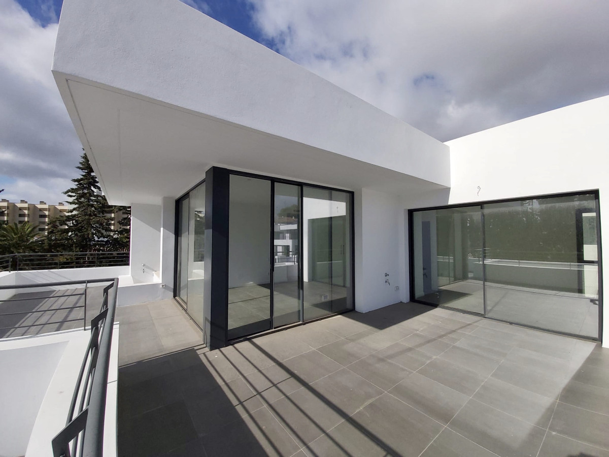 House in Atalaya R3753202 3