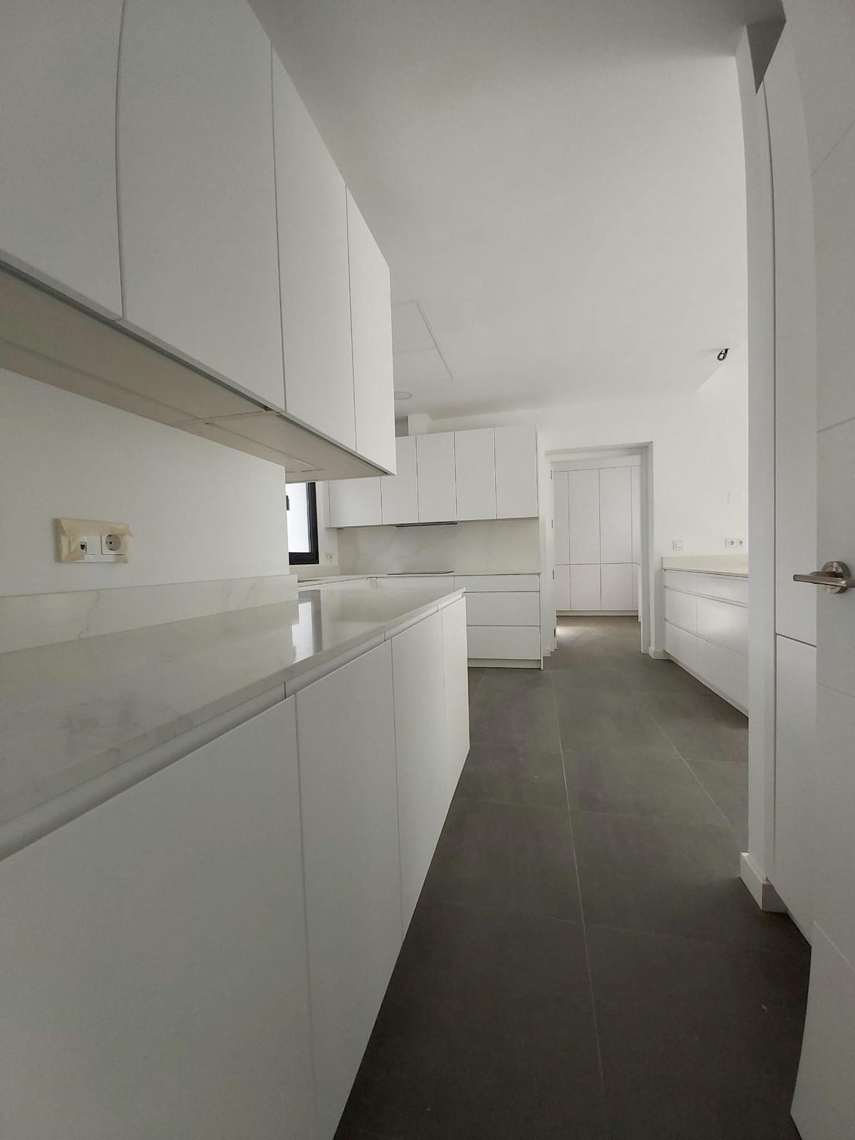 House in Atalaya R3753202 7