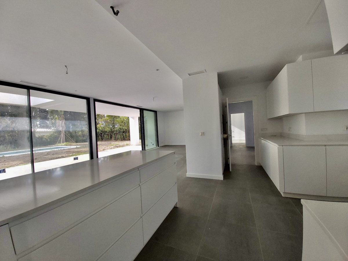 House in Atalaya R3753202 8