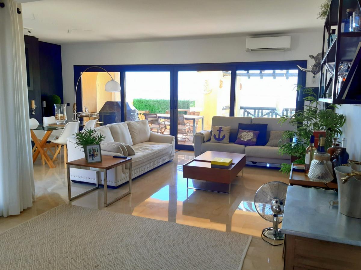3 bedroom apartment for sale la duquesa