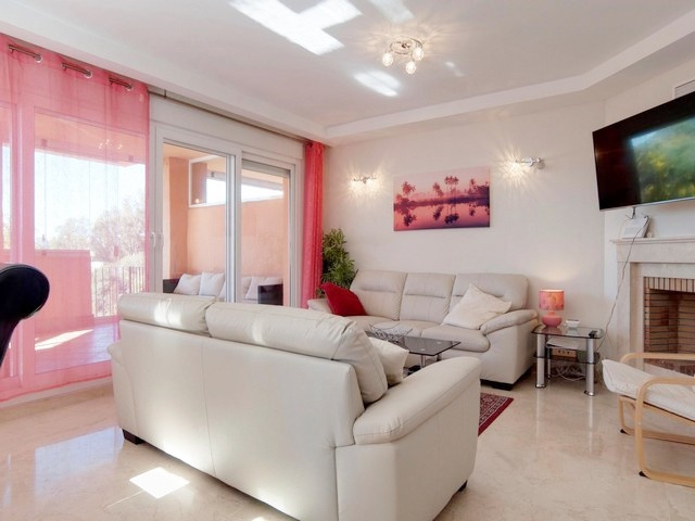 Villa con 5 Dormitorios en Venta Cabopino