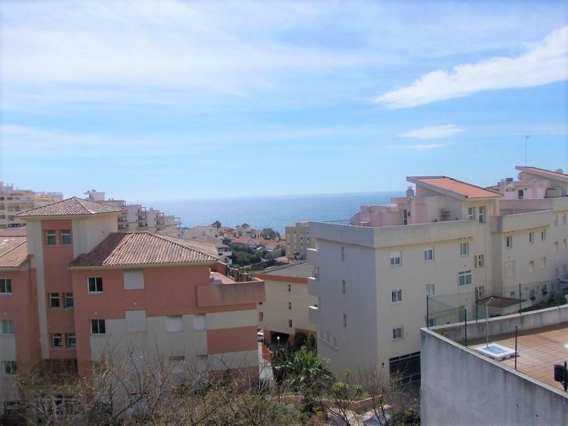 Great 2 bed 2 bath apartment 200 metres from the beach in Torrequebrada, Benalmadena Costa. The apar,Spain
