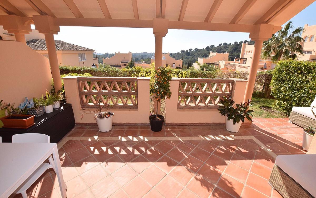 Apartamento, Planta Baja  en venta    en Elviria
