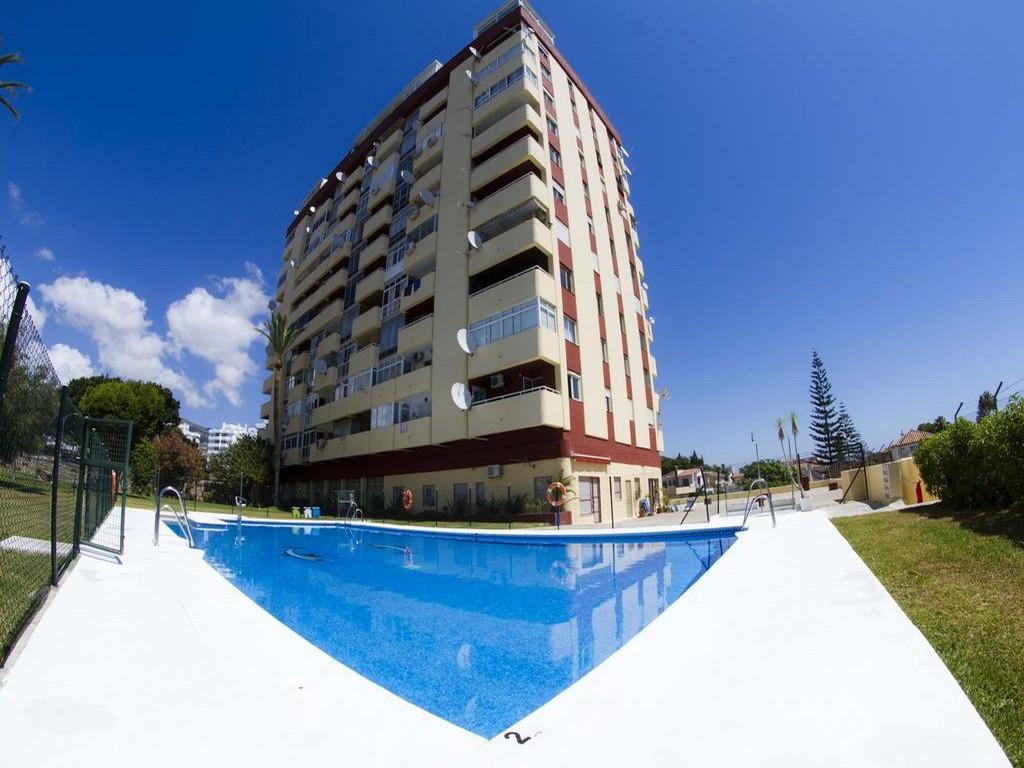 CORNER APARTMENT WITH SEA VIEWS !!! Beautiful corner apartment in Benalmadena Costa. Fully renovated,Spain