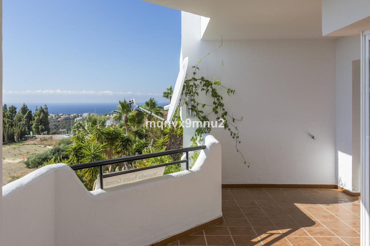 2 Bedroom Apartment For Sale, Calahonda