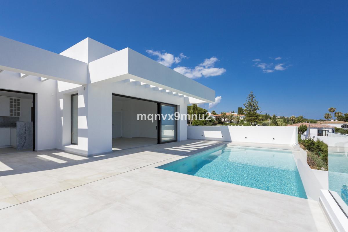 Villa Detached El Chaparral Málaga Costa del Sol R3348271