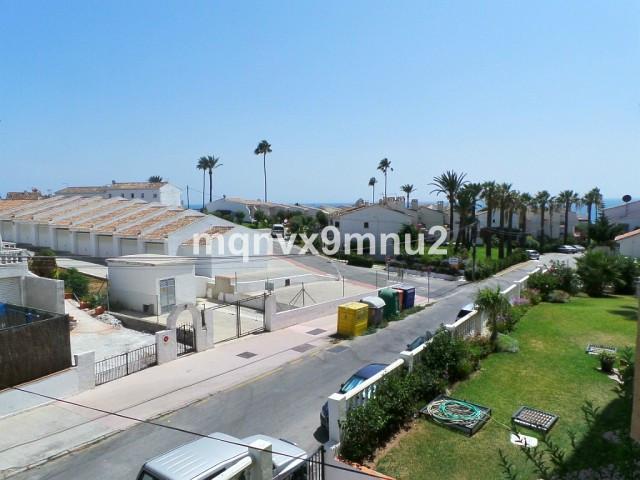 Middle Floor Studio, La Cala, Costa del Sol. Built 40 m², Terrace 5 m².  Setting : Close To Sea. Vie,Spain