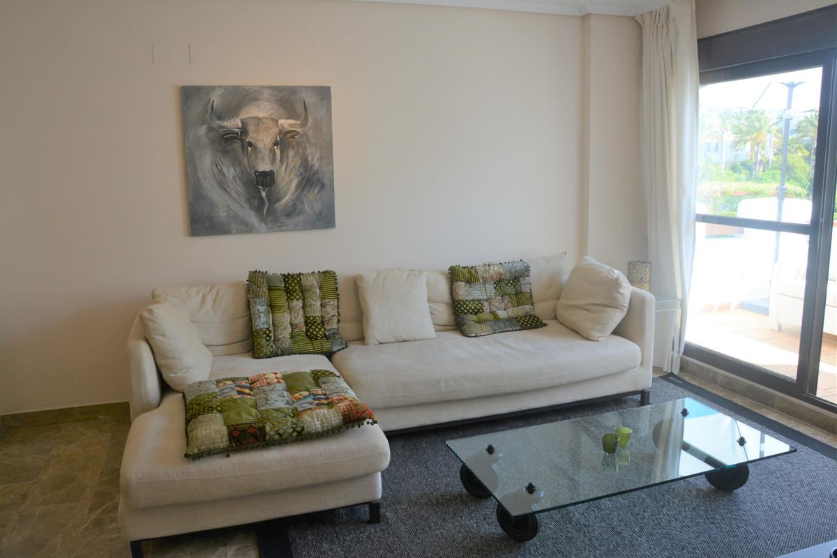 Apartment Middle Floor Estepona Málaga Costa del Sol R3628295 10