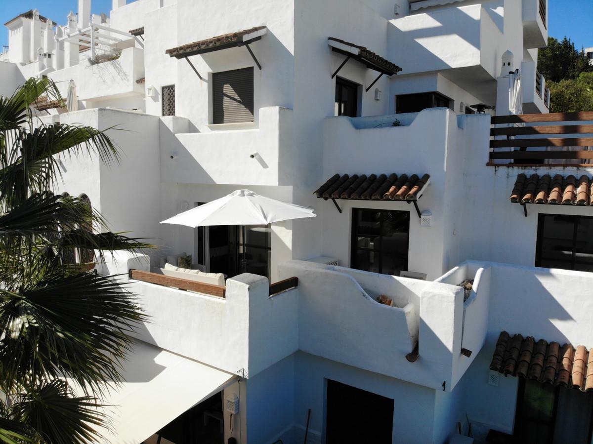 Apartment Middle Floor Estepona Málaga Costa del Sol R3628295 2