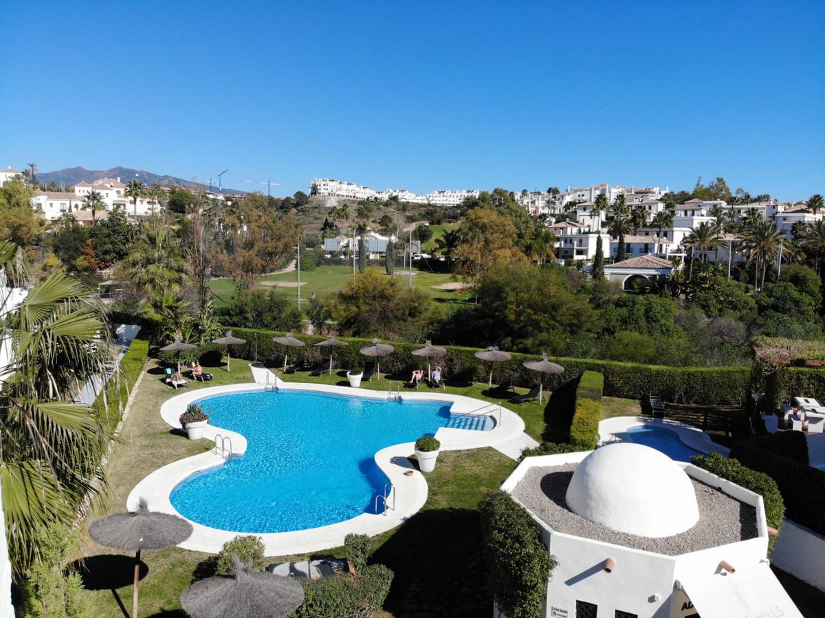Apartment Middle Floor Estepona Málaga Costa del Sol R3628295 6