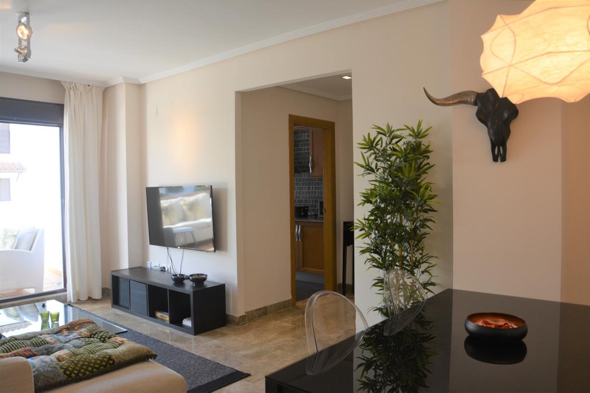 Apartment Middle Floor Estepona Málaga Costa del Sol R3628295 7