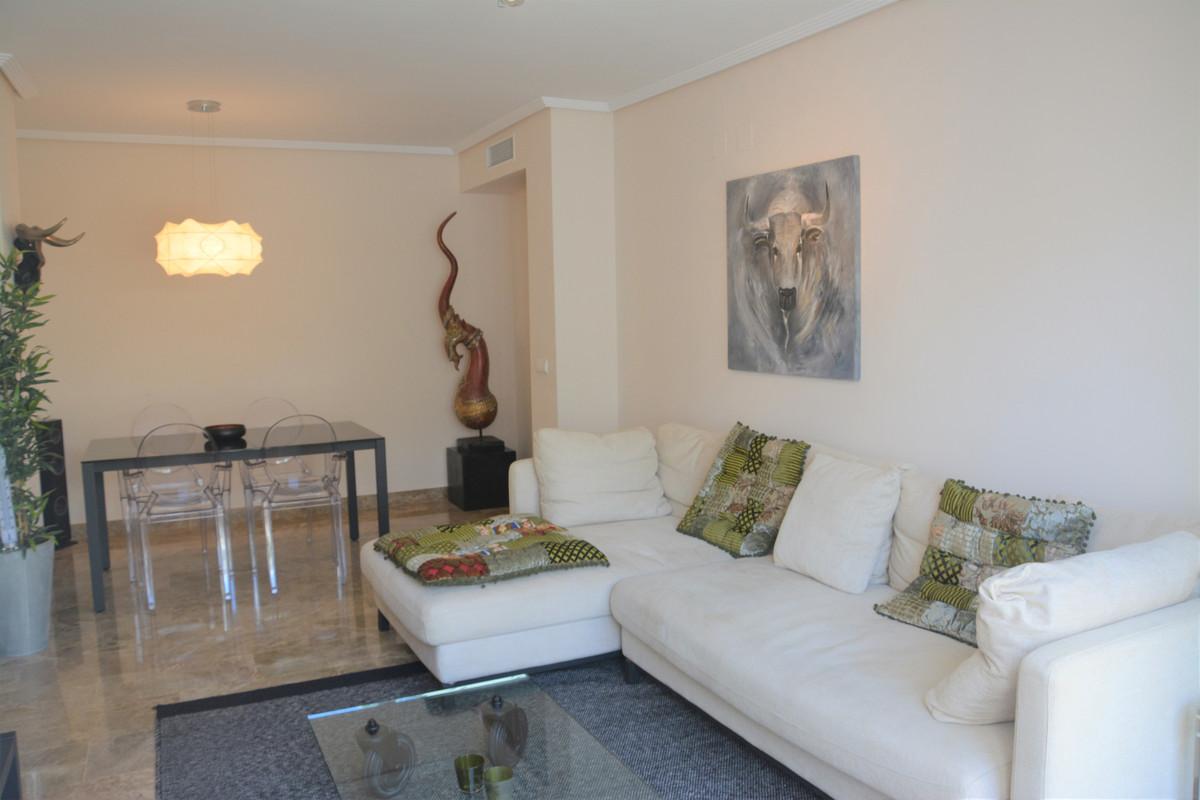 Apartment Middle Floor Estepona Málaga Costa del Sol R3628295 8