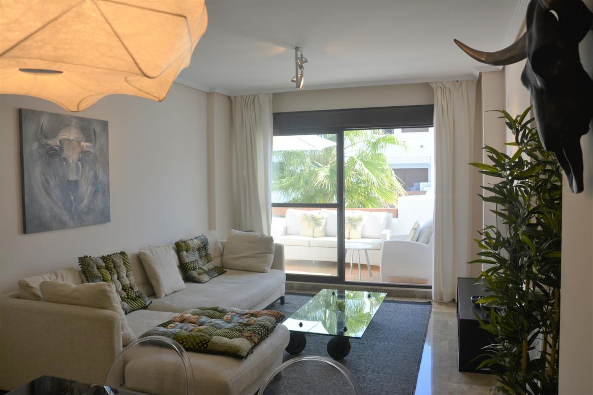 Apartment Middle Floor Estepona Málaga Costa del Sol R3628295 9