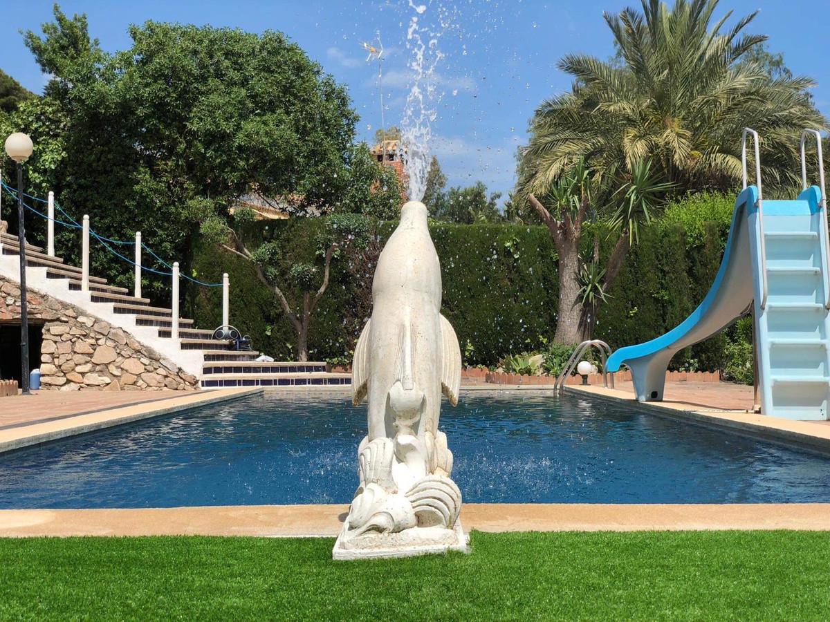 Detached Villa, La Capellania, Costa del Sol. 4 Bedrooms, 3 Bathrooms, Built 178 m², Terrace 100 m²,,Spain