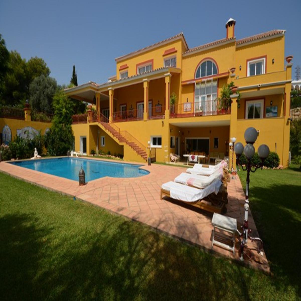 Detached Villa, Benahavis, Costa del Sol. 6 Bedrooms, 8 Bathrooms, Built 970 m², Garden/Plot 2750 m²,Spain