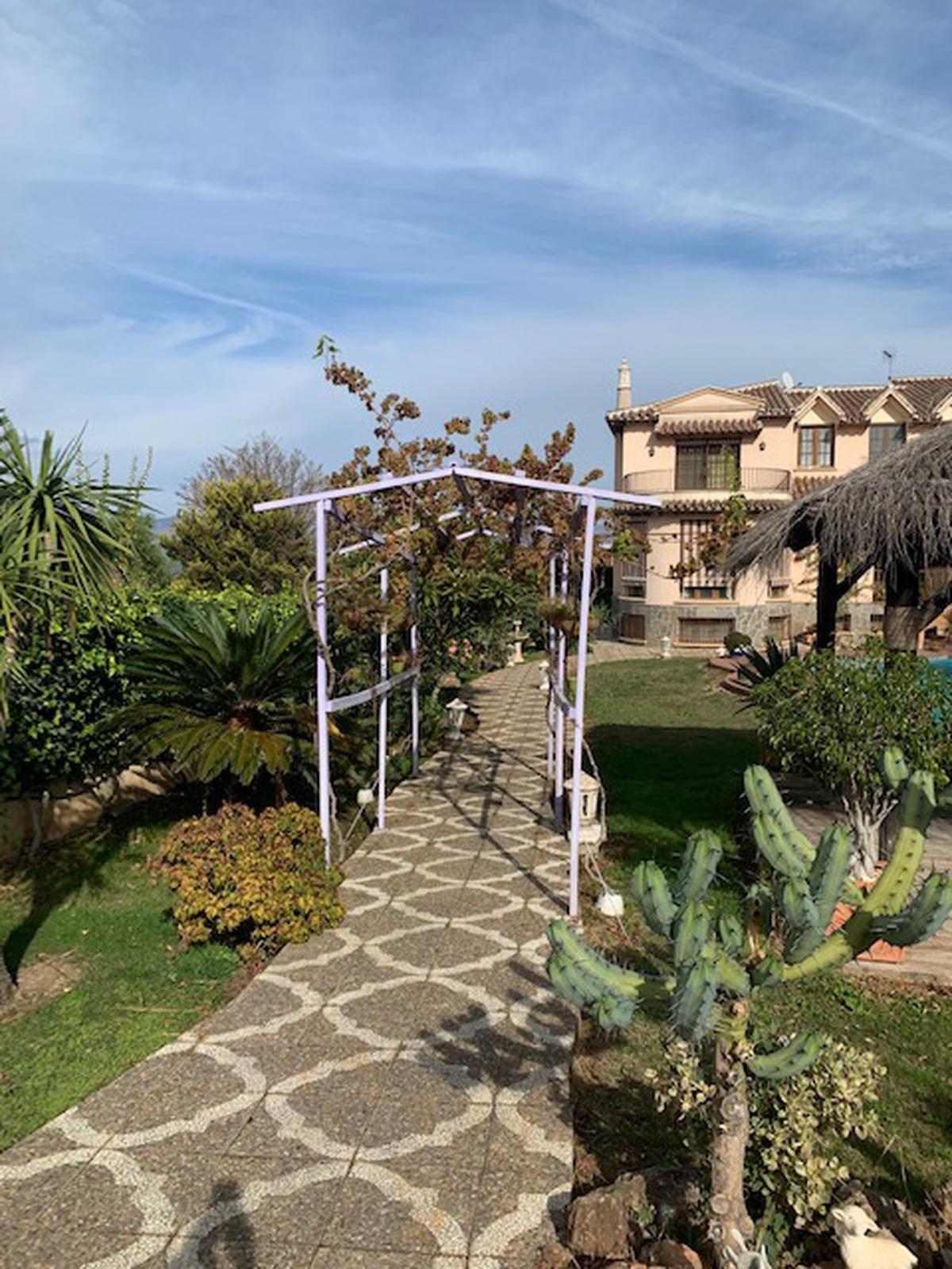 House in Alhaurín de la Torre R3546820 6