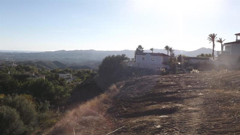 R2379248: Plot for sale in Mijas Costa