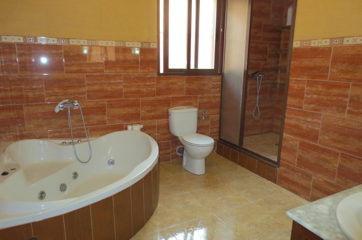 House in Arroyo de la Miel R2932298 4