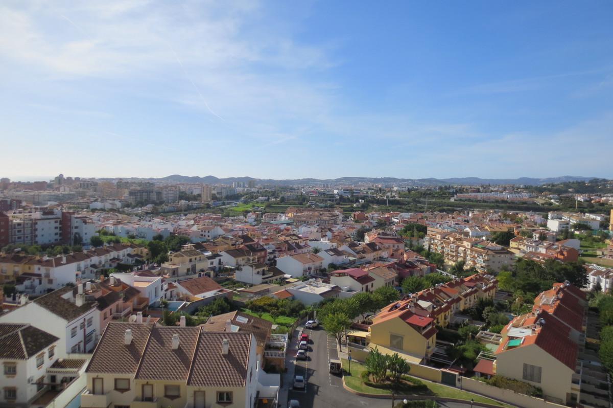 Middle Floor Apartment, Los Pacos, Costa del Sol. 2 Bedrooms, 2 Bathrooms, Built 87 m², Terrace 12 m,Spain