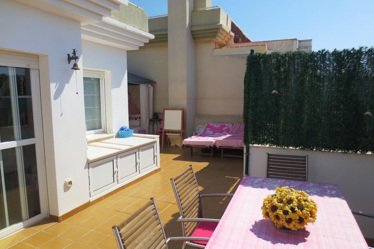 Penthouse, Las Lagunas, Costa del Sol. 3 Bedrooms, 2 Bathrooms, Built 95 m², Terrace 105 m².  Settin,Spain