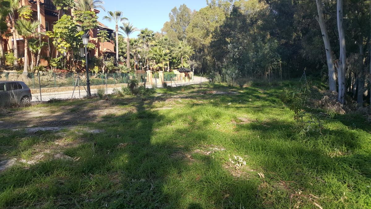 Residential Plot in Nueva Andalucía R2832383