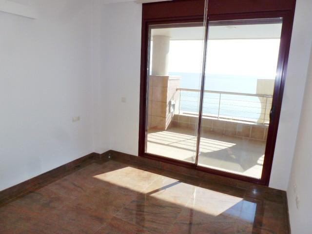 Apartamento con 4 Dormitorios en Venta Carvajal