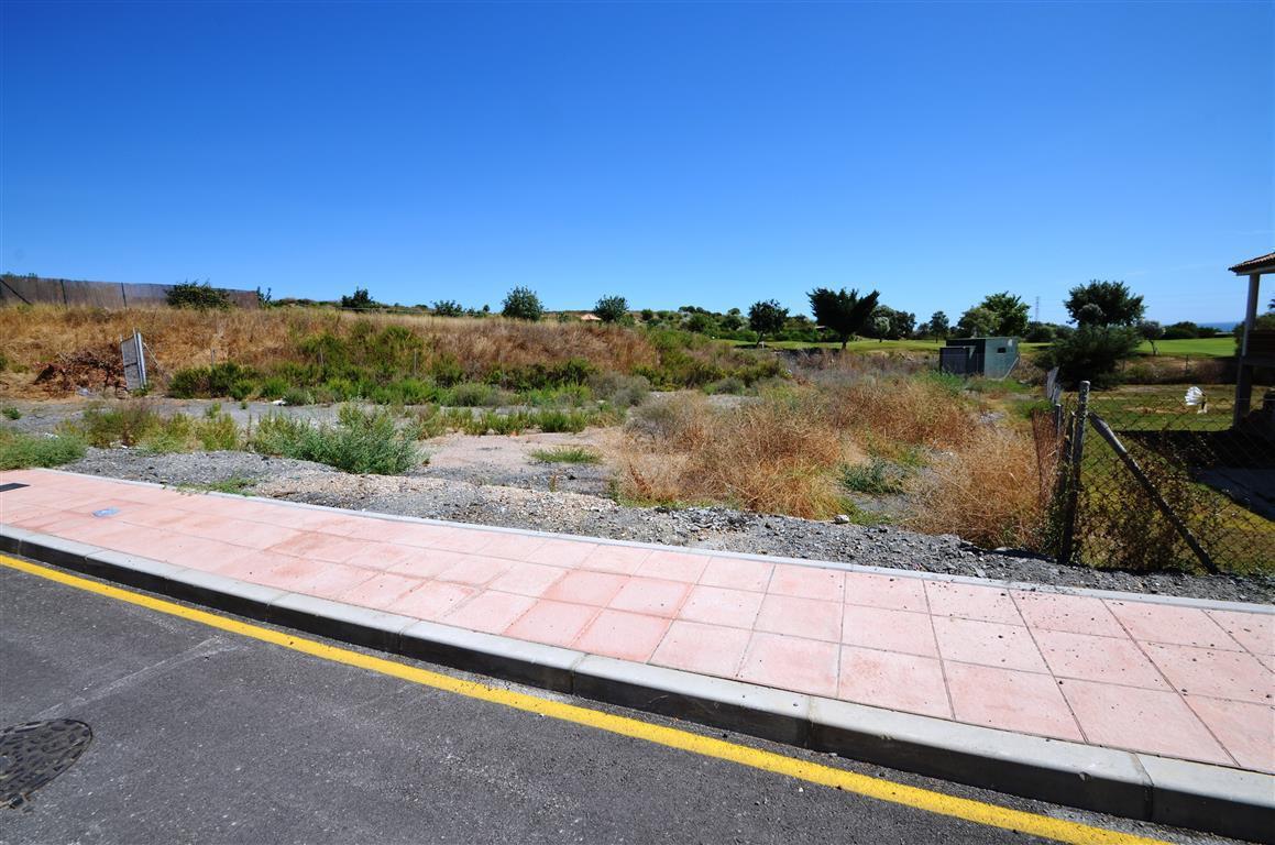 0-bed-Residential Plot for Sale in Estepona