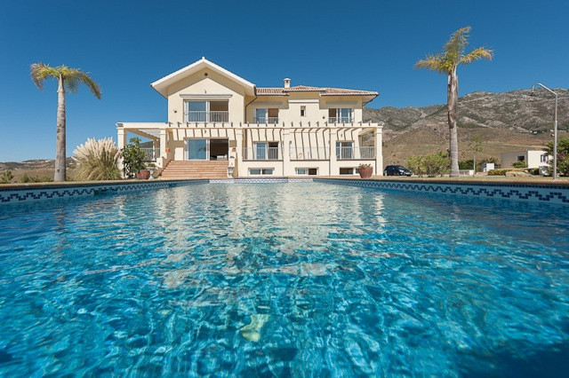 3-bed-Finca Villa for Sale in Mijas Costa