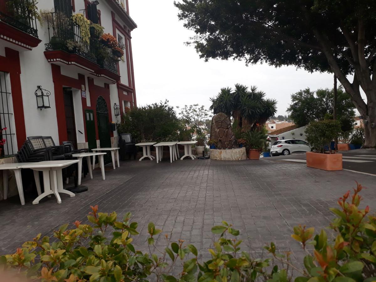 4-bed-Restaurant Commercial for Sale in El Paraiso