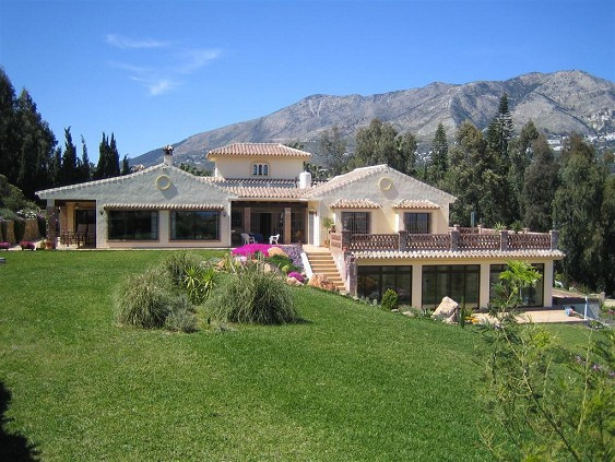 3-bed-Detached Villa for Sale in Mijas