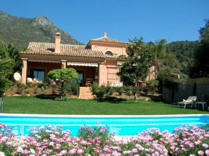 4-bed-Detached Villa for Sale in The Golden Mile