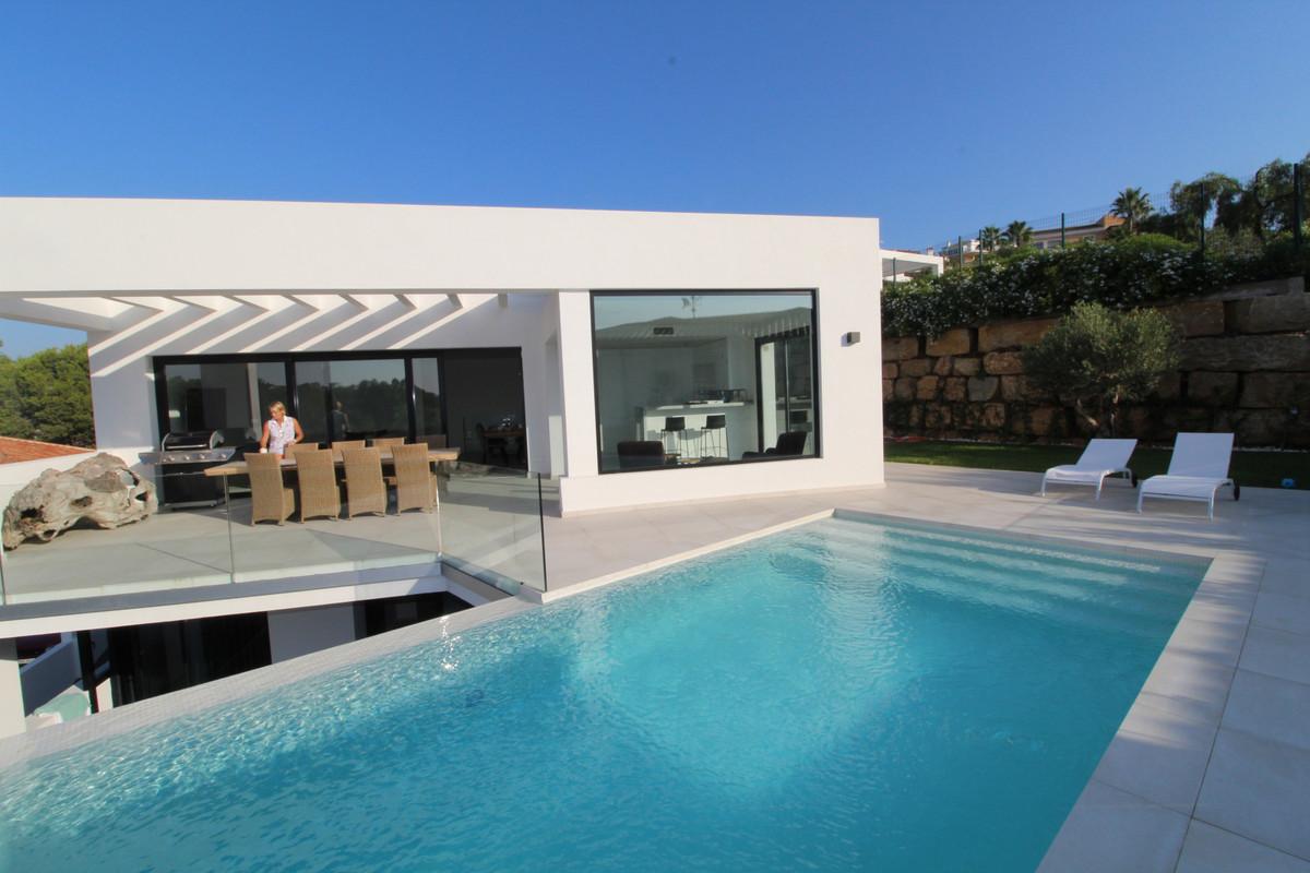 4-bed-Detached Villa for Sale in Torrenueva