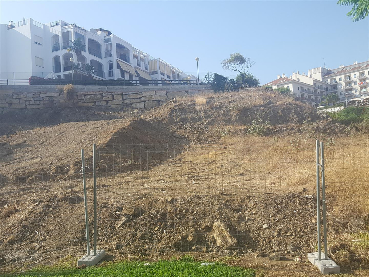 4-bed-Residential Plot for Sale in Benalmadena Costa
