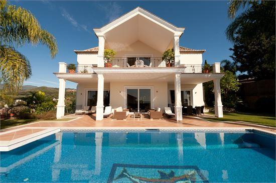 5-bed-Detached Villa for Sale in El Rosario
