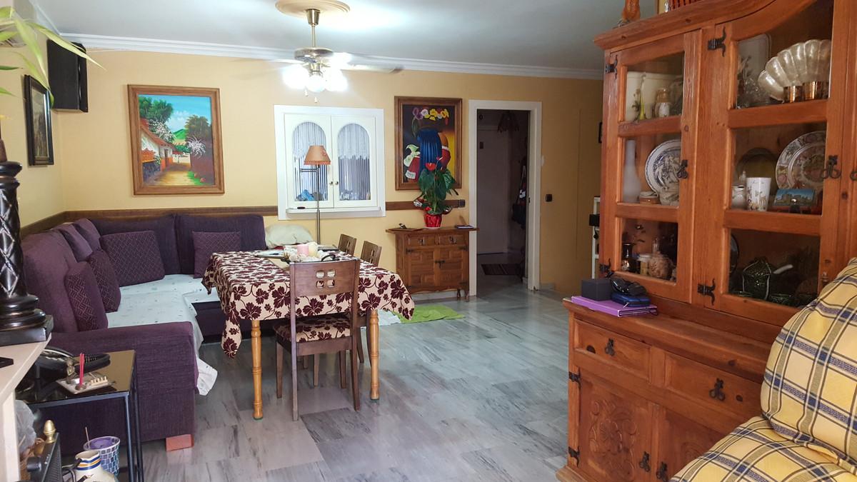 Maison Jumelée  Mitoyenne en vente   à Fuengirola