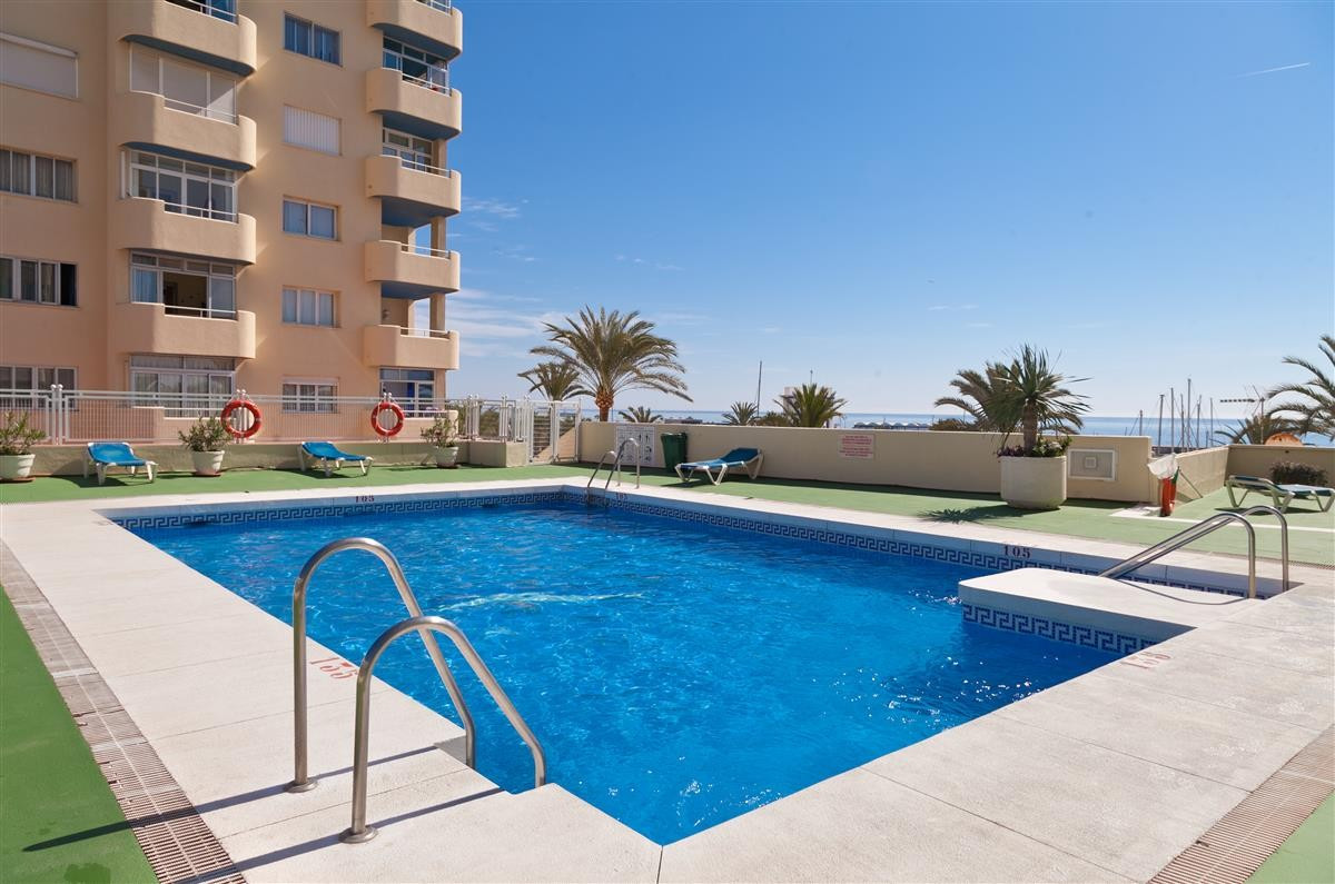 Apartment Middle Floor Estepona Málaga Costa del Sol R3728200